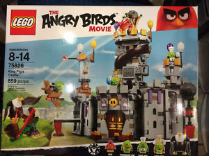 LEGO Angry Birds Movie 75826 King Pig's Castle 859 Pcs