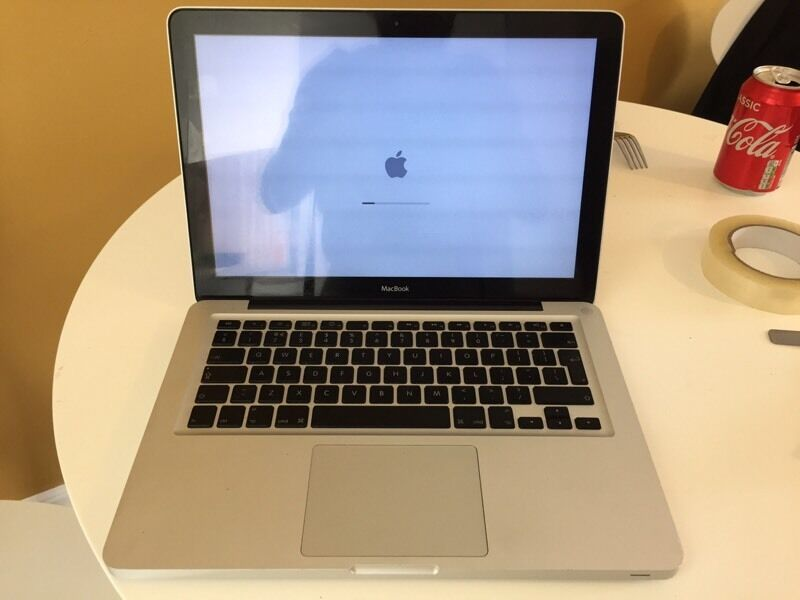 Apple MacBook 13inchin Plymouth, DevonGumtree - Apple Macbook 13inch aluminum late 2008Fully working. General very light wear and tear for age nothing bad still looks great and an inpressive Macbook. Scratches/marks are only on the bottom and top of MacBook (see pics). Screen is in perfect...