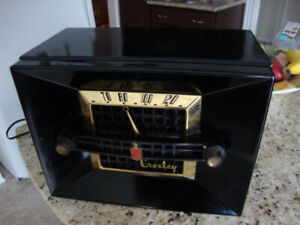 Antique Crosley Radio