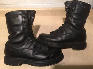 Men's Vibram SymaTex All Weather Leather Boots Size 10.5