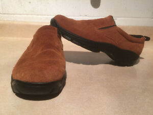 Mens Land's End Slip-On Shoes Size 8 London Ontario image 1