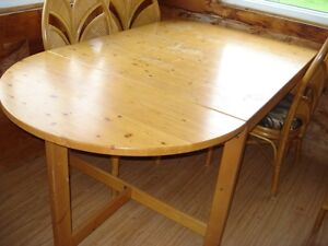 Gate-leg Table and 4 Chairs