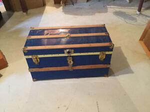 Coffres antiques en excellente condition à vendre!