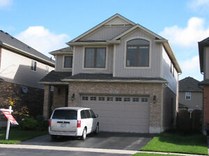 LARGE 5 Bdrm NW London Home with Salt Water POOL and Lrg DECK