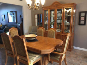 Oak table and 6 chairs and hutch for sale