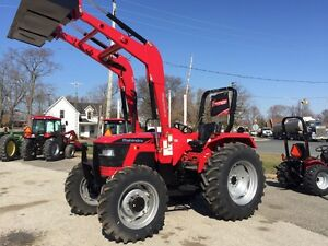 2017 Mahindra 5570 4x4 70HP Tractor / NEW DEALER PROMO