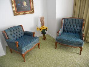 Deux  Sofas et deux fauteuils