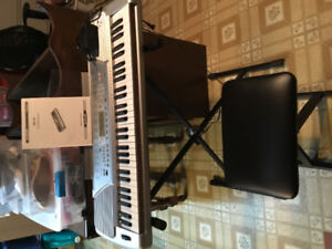 Suzuki SP-47 Keyboard with stand and stool