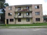 1 Bedroom Apt Walkerville Area,Secure Bldg Main FloorJan.1 $640