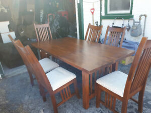Guelph Dining Table And 6 Chairs