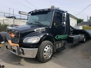 Tow truck flatbed M2 Frieghtliner