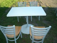 COMMERCIAL GRADE PEDESTAL TABLES & CHAIRS