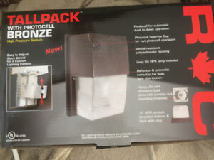 Tall Pack Photo Cell Security Light - NIB Exterior
