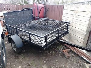 4X5 Utility Trailer - - { { { No E-Mails Just Calls Only } } }
