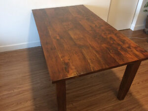 High quality hardwood dining table with 4 free chairs