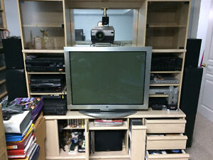 ENTERTAINMENT UNIT ( Very NICE) FREE FOR PICK UP...
