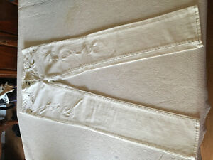 Size 4 White American Eagle Jeans