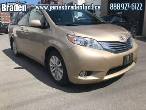 2011 Toyota Sienna LIMITED  - One owner - Local - $262 B/W