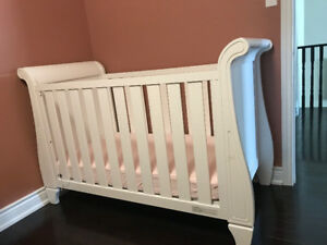 Crib and Baby furniture
