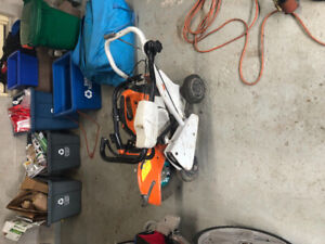 Stihl saw with walking unit