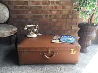 VINTAGE LEATHER TRUNK CHEST COFFE TABLE SIDE TABLE FREE DELIVERY