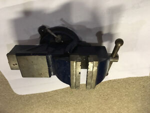 Table mount vise
