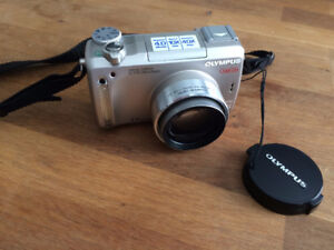 Olympus C-770 Ultra Zoom Digital Camera with Carry Case