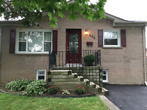 4 Bedroom Detached House For Rent / Rental in Oshawa