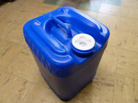 Liquid Storage Containers / Fuel Cans / Gas Cans