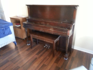 piano (Webber) Kington Canada