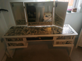 Dressing table with mirrors and chair