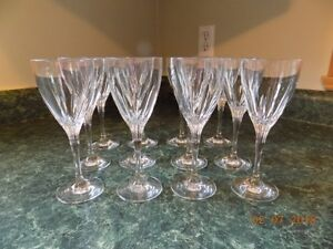 12 Zwiesal crystal German wine glasses - perfect condition
