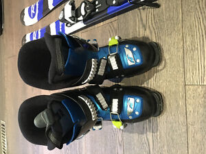 Brand new Nordica ski boots for boys/girls size 21.5 (255 m)