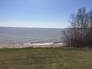 Gimli- Large private lakefront property