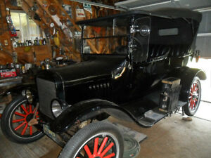 "1925 Model T ""Touring"" Ford"