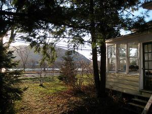 Beloeil, bord de l'eau, maison et atelier chauffé (ou garage)
