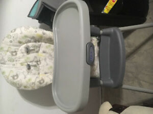 Graco high chair - Barely used !