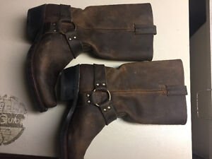Womens Frye Boots Brown