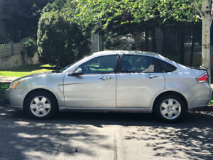 2009 Ford Focus SE - Silver - $3500