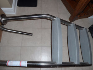 3 STEP STAINLESS STEEL IN-GROUND POOL LADDER-BRAND NEW