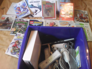 Nintendo wii  all hook ups and games all for 80$