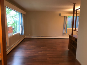 2 Br.on main-floor Close to Whyte Ave /U of A. in Allendale S.S