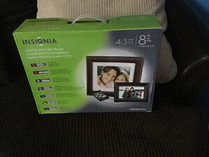 "Digital photo frame 8"" brand new & never used"