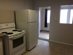 One-bedroom Apartment with Rent Incentive Moose Jaw Regina Area image 1