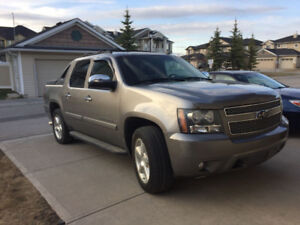 Loaded 2008 Chevy Avalanche