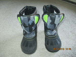 Children's Place Winter Boots, size 8, $15