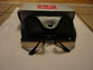 Like new in box Rayban sunglasses with case cleaning cloth London Ontario image 3