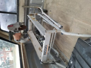 """CLEARENCE-USED-RIDGID-10"""" WET TILE SAW WITH FOLDING STAND"""