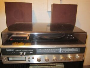 Stereo Turntable and Radio