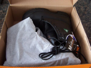 New METATECH®Safety Work Boots (steel toe) size 6